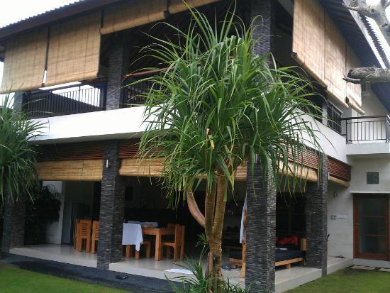 Villa Besar: The Villa