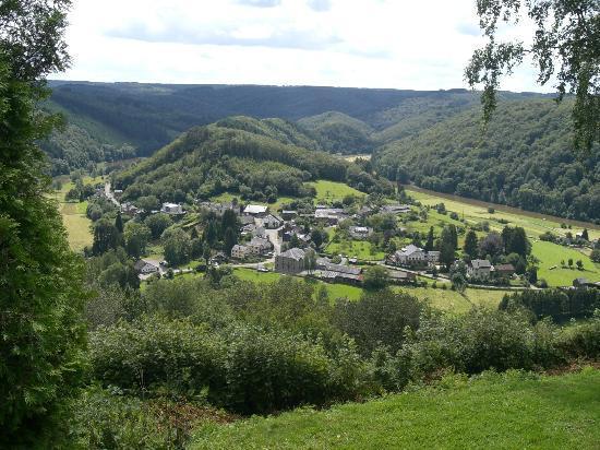 Alle-sur-Semois, بلجيكا: view over Alle