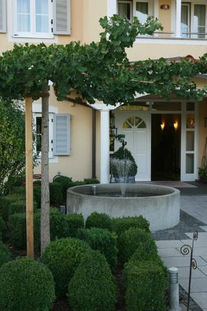 Ampervilla Hotel: AmperVilla Main Entrance