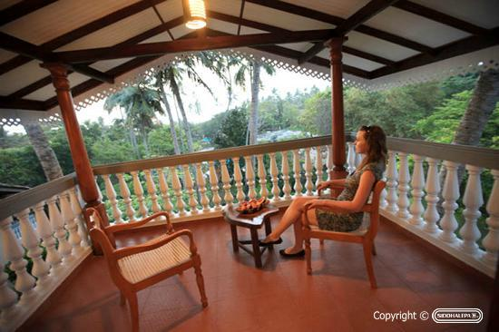 Siddhalepa Ayurveda Health Resort : Balcony Room
