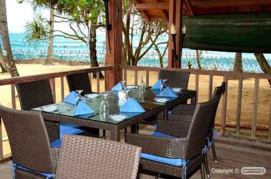 Siddhalepa Ayurveda Health Resort: Beach Restaurant