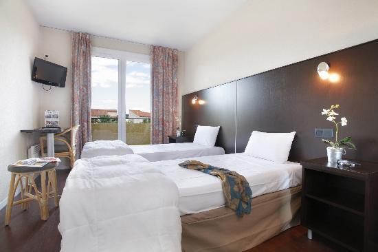 Inter Hotel Le Grillon d'Or: CHAMBRE TWIN CLASSIQUE