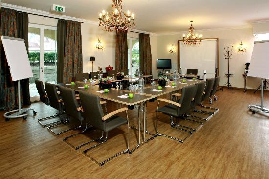 Hotel Ampervilla Gewerbering   Fahrenzhausen Deutschland