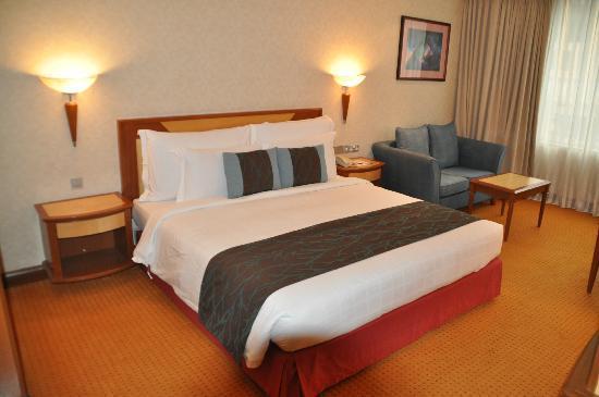 """Melia Kuala Lumpur : le lit, chambre """"Level"""""""
