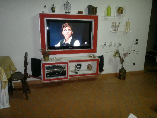 Bed and Breakfast Adelberga: sala con tv