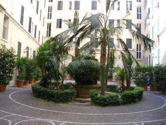 5 picture of la maison de famille rome tripadvisor - Fauteuil maison de famille ...