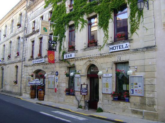Façade de l'Hostellerie de Saint Front
