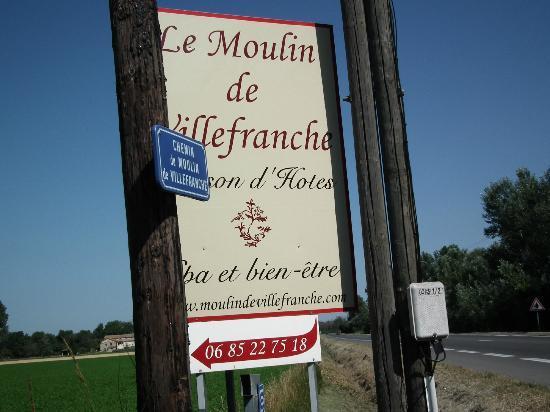 Moulin de Villefranche: entrée par la D31