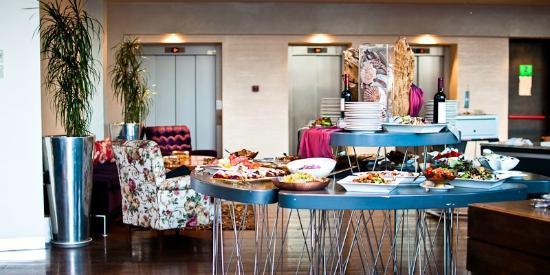 Zira Hotel: Complimentary dinner