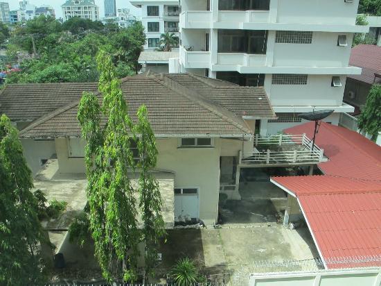 Rongratana Executive Residence: Wiew