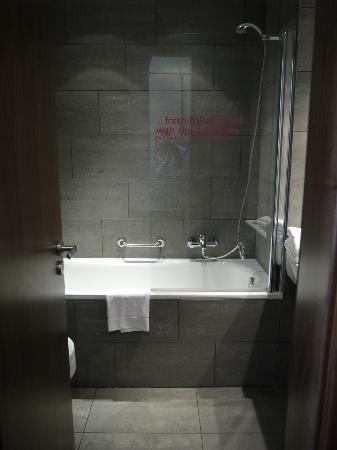 MOODs Boutique Hotel: Nice bathroom