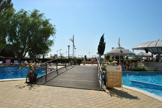 LTI Neptun Beach Hotel : Outside pool area