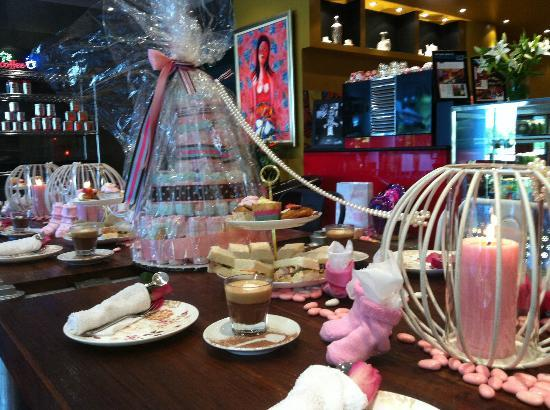 Java Spice Cafe Emporium: Yes  A girl for the beautiful Belinda.  A Baby Shower with a difference