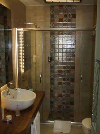 Collage Pera Hotel: Bath