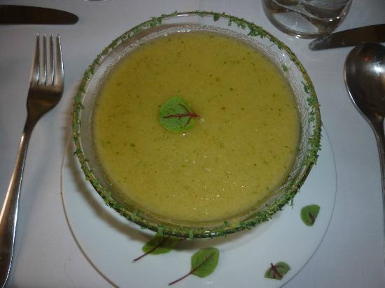 Birds Nest Restaurant: sopa fria
