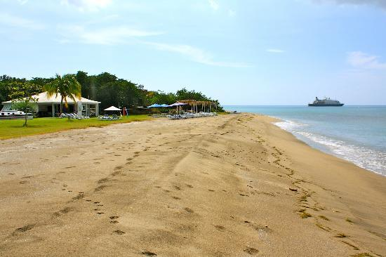 Chrishi Beach Club: Longest beach front on the island
