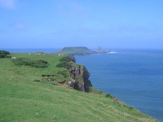Rhossili Bay: Worms Head from the cliffs