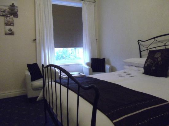 The Gaydon Hotel : double room