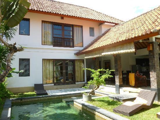 Dampati Villas: Villa exterior