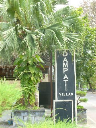 Dampati Villas: Grounds