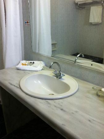San Antonio Summerland Hotel: Bathroom