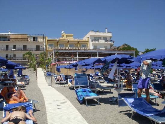 Hotel San Vincenzo: L'hotel é la struttura in giallo