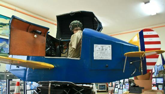 Naval Air Station Fort Lauderdale Museum: A WWII Link Trainer Flight Simulator