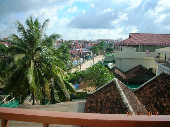 Cheathata Angkor Hotel: view from balcony