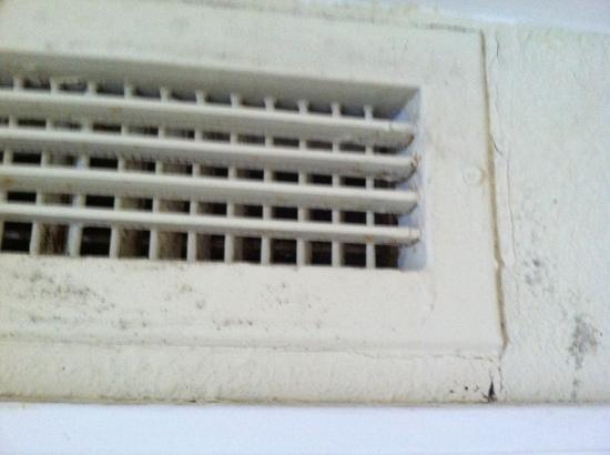Wyndham Newport Onshore: Mold on air-heat vent