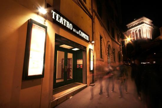 http://media-cdn.tripadvisor.com/media/photo-s/02/b3/0e/f5/teatro-della-cometa.jpg