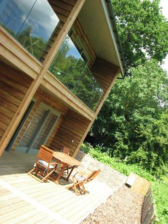 Greenbanks Country Hotel & Restaurant: Patio area for the new self-catering