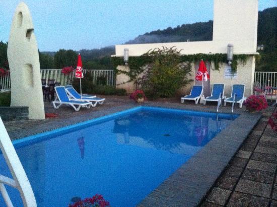 Royal Vézère : Pool terrace