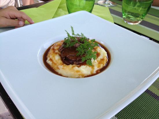 "La Mandragore: Plat du menu ""boutchou"""