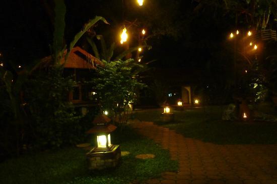 Secret Garden Chiang Mai : Les jardins de nuit
