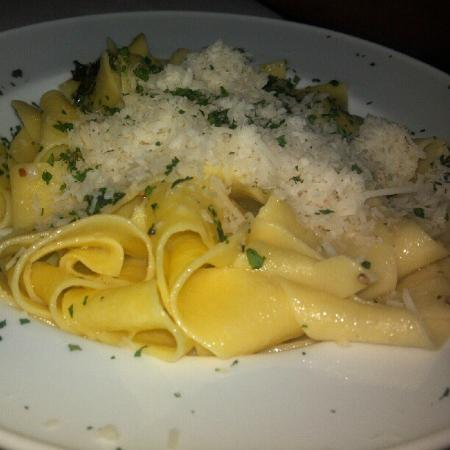 Osteria la Bottiglia: Summery Lemon Pasta