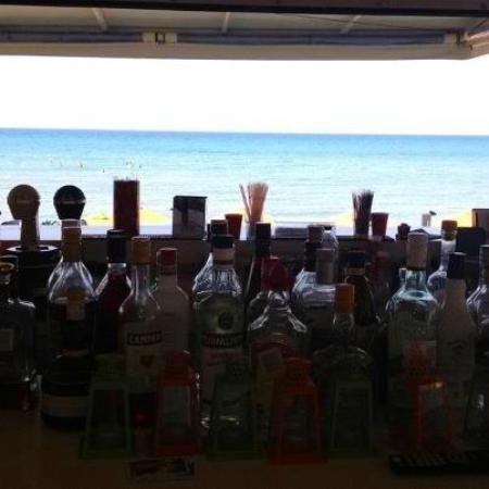 Al Mare Beach Hotel : Al Mare Bar