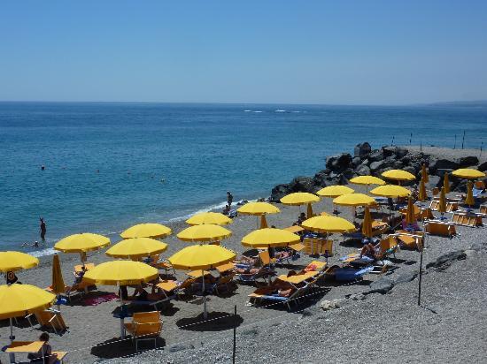 Beach site hilton giardini naxos hotel picture of hilton giardini naxos giardini naxos - B b giardini naxos economici ...