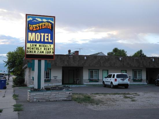 Western Motel facade