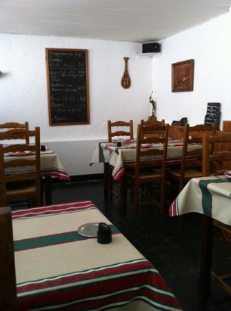 Ascain, Francia: salle restaurant .