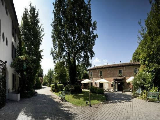 Savoia hotel country house updated 2019 prices reviews for Hotel bologna borgo panigale