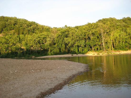 Saint Clair, MO: Beach area near River