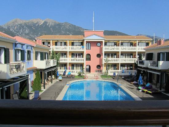 Hotel Captain Stavros: Poolside