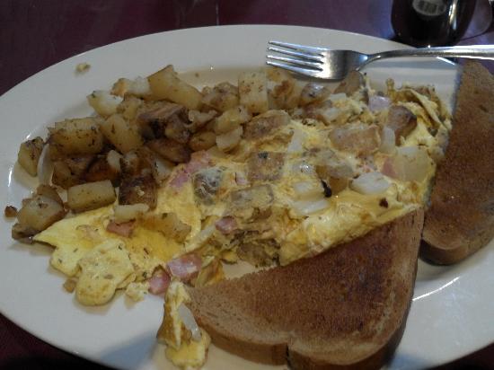 Molina's Cafe: Farmer's Omelette