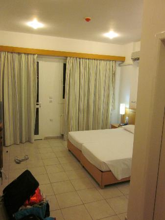 Mon Repos Villa - Hotel: Our double room.