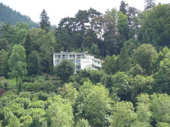 Hotel Schlossberg: Hotel vom Römerberg aus gesehen