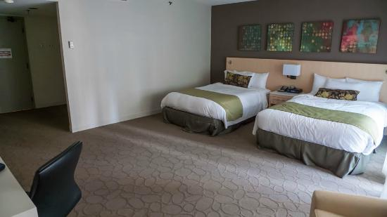 couch picture of delta hotels montreal montreal. Black Bedroom Furniture Sets. Home Design Ideas