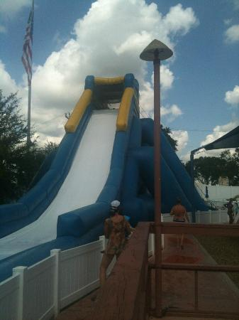 Sun N Fun RV Resort: Water Slide at the Pool Area