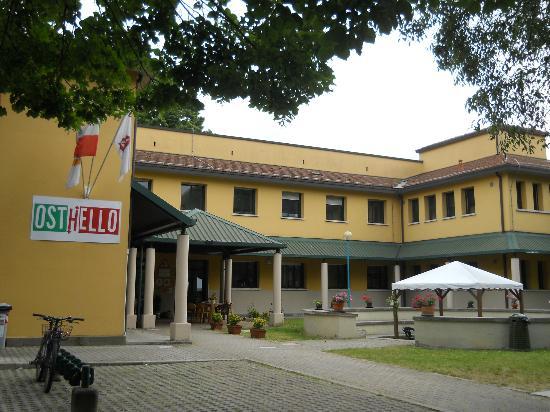 Ostello Due Torri-San Sisto 2: edificio principale