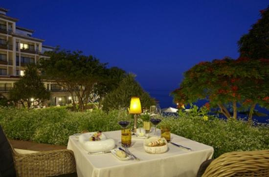 Hotel The Cliff Bay: The Cliff Bay | Restaurant Il Gallo d'Oro - outdoor