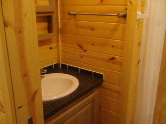 Saco/Old Orchard Beach KOA: sink